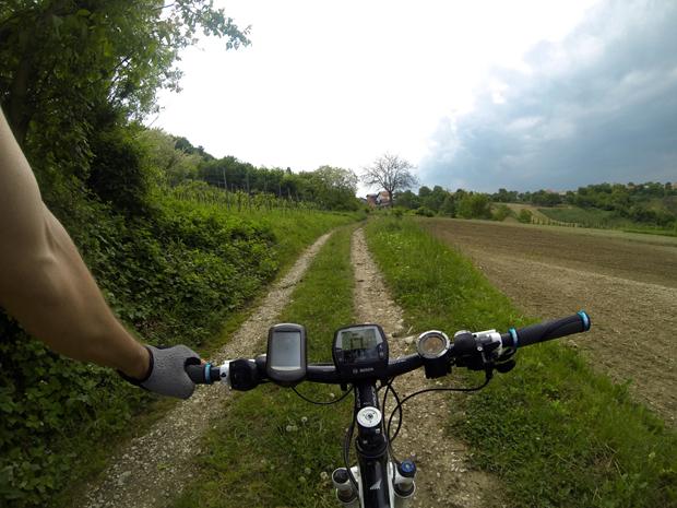 Jedan vozač, ista staza i dva bicikla slika 4