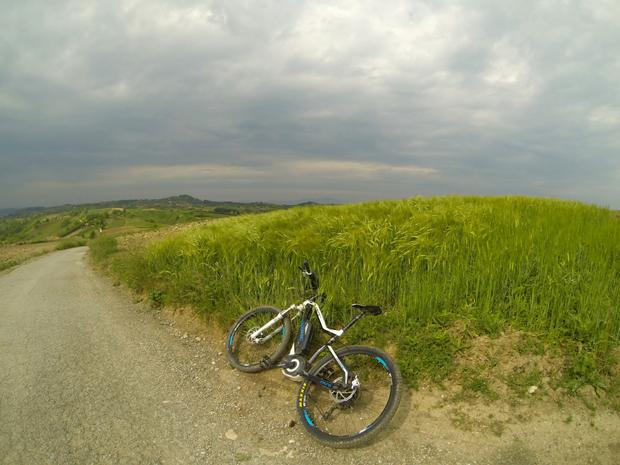 Jedan vozač, ista staza i dva bicikla slika 2