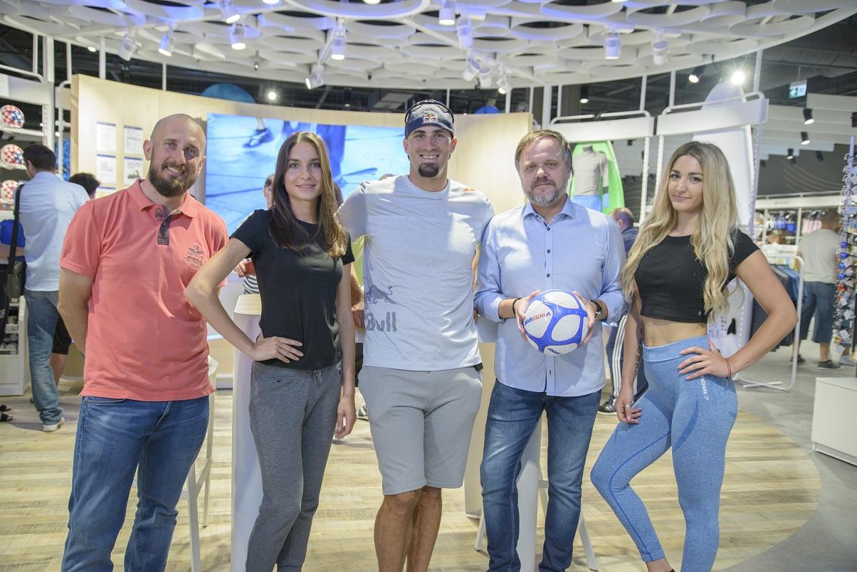 Gajo Dojčinović, Matea Matošević,  Martin Sinković_ veslač, Aleš Penčur_direktor Intersporta Hrvatska, Erika Kraljević_fitness trener.jpg (369 KB)