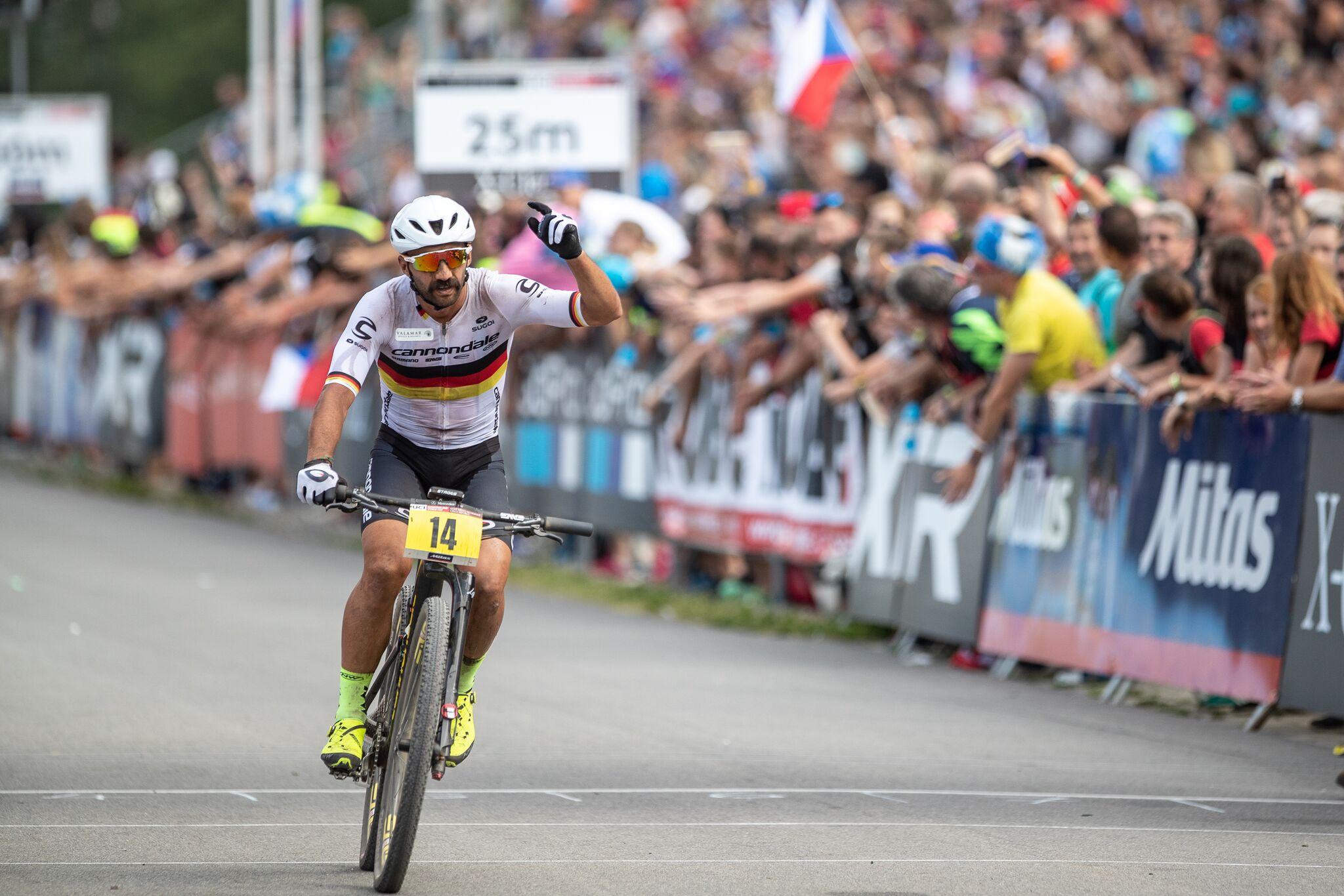 Jedna od najvećih zvijezda brdskog biciklizma na pripremama u Rapcu (2).jpeg (311 KB)