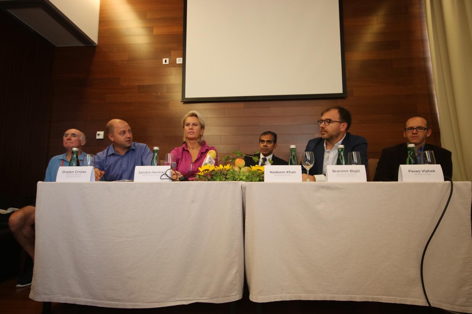 Konferencija za medije - Svjetsko prvenstvo u trcˇanju1.jpg (387 KB)