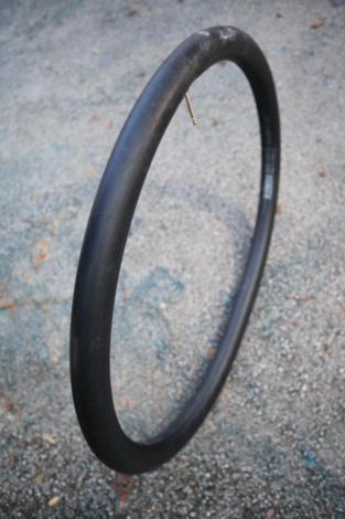 Probušena guma na biciklu slika 9