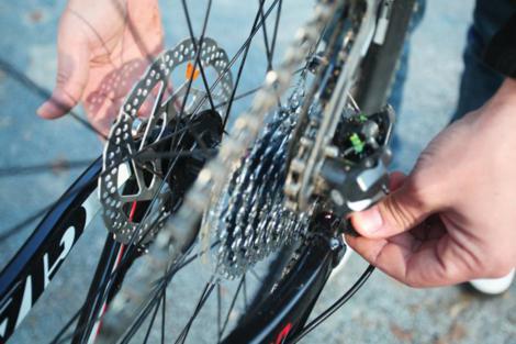 Probušena guma na biciklu slika 17